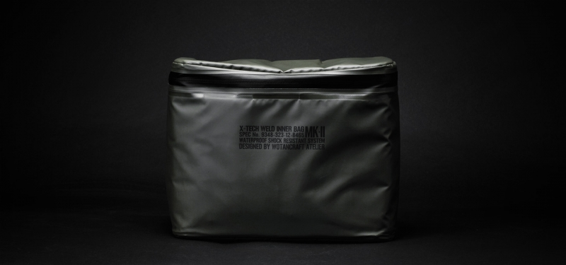 waterproofpouch-L-front160vs75