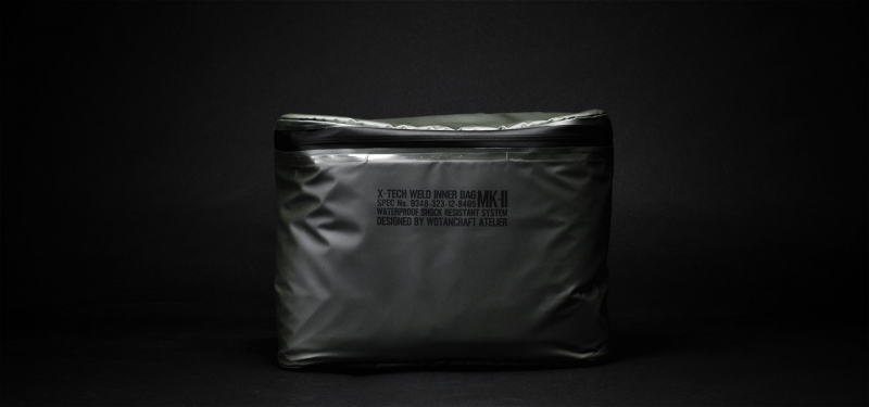 waterproofpouch-M-front160vs75
